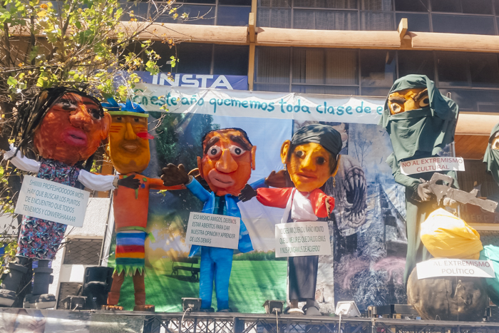 Año Viejo Puppets